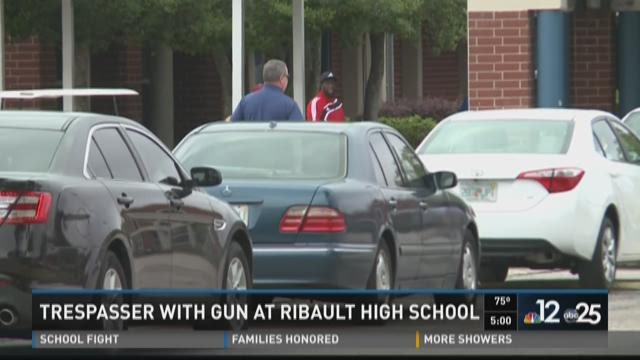 Armed trespasser at Ribault High School, large fight reported at Robert. E. Lee