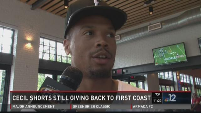 Cecil Shorts gives back to Jacksonville community