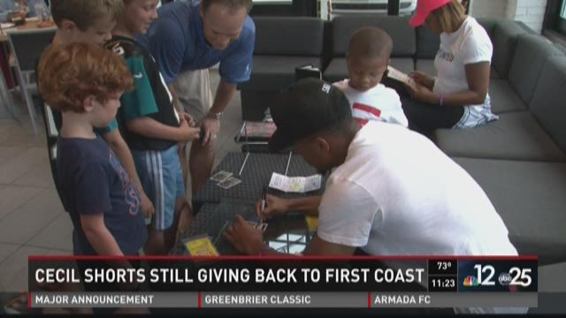 Cecil Shorts gives back to Jacksonville communty