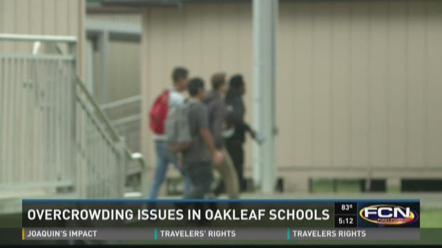 Students walking to portable classrooms at Oakleaf
